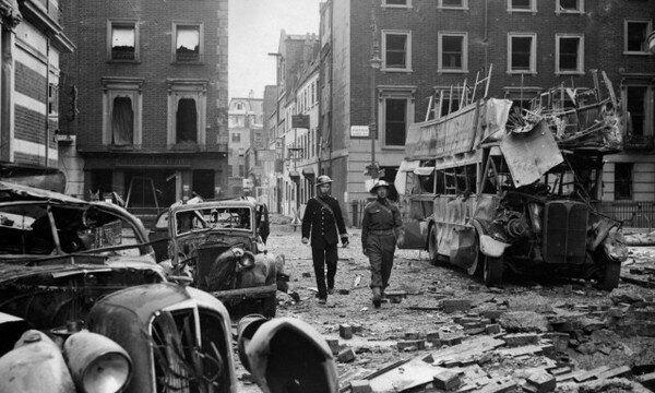 Лондон после бомбардировки Люфтваффе. Фото в свободном доступе.
